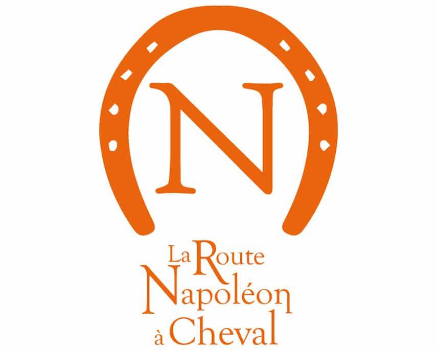 La route Napoléon à Cheval : l'identité visuelle en fer de lance